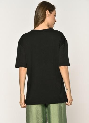 Loves You Kaktüs Nakışlı T-shirt Siyah
